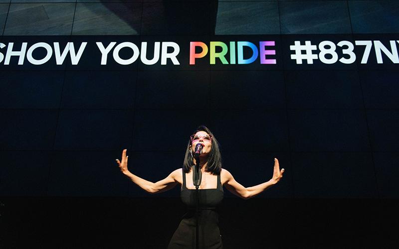 Samsung-Sharp-Sans-Show-Your-Pride-837