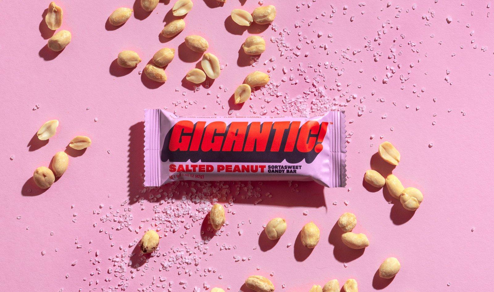 SharpGrotesk-GiganticCandy-02.jpg